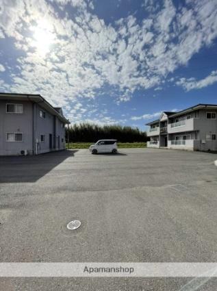 ヴィラージュ長ヶ坪B[2LDK/62.22m2]の駐車場