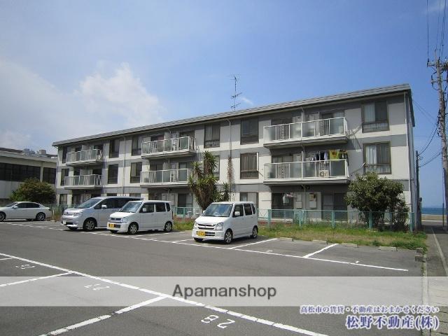 香川県高松市、昭和町駅徒歩20分の築31年 3階建の賃貸アパート