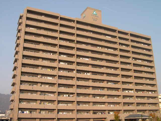 香川県高松市、屋島駅徒歩17分の築15年 14階建の賃貸マンション