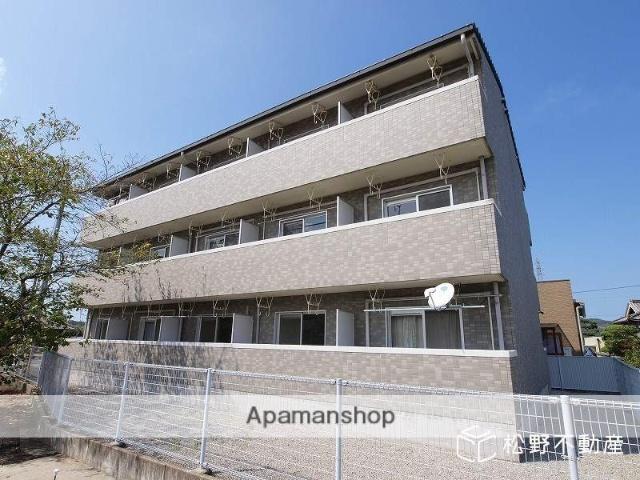 香川県さぬき市、長尾駅徒歩9分の築17年 3階建の賃貸マンション