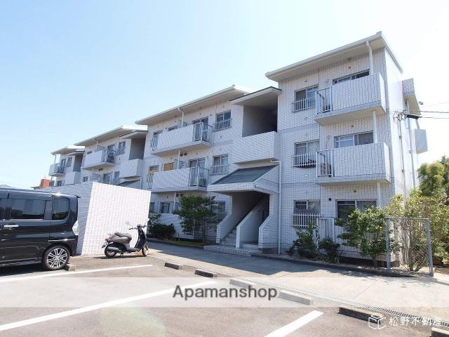 香川県高松市、円座駅徒歩11分の築28年 3階建の賃貸マンション