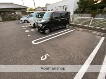 香川県高松市勅使町[1LDK/42.37m2]の駐車場