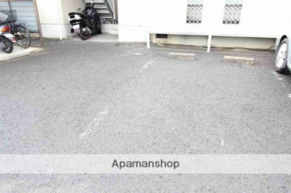 ハイム屋島[2LDK/64m2]の駐車場