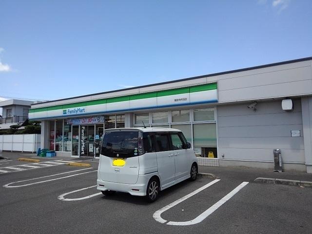 ファミリーマート観音寺柞田店 950m