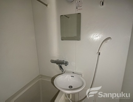 レオパレスクレールシェル さや[1K/23.18m2]の洗面所