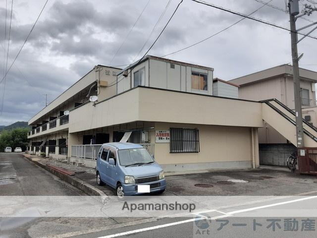 愛媛県東温市、田窪駅徒歩8分の築33年 2階建の賃貸アパート