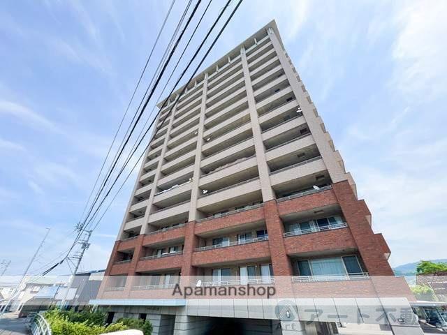 愛媛県松山市、平井駅徒歩5分の築13年 16階建の賃貸マンション