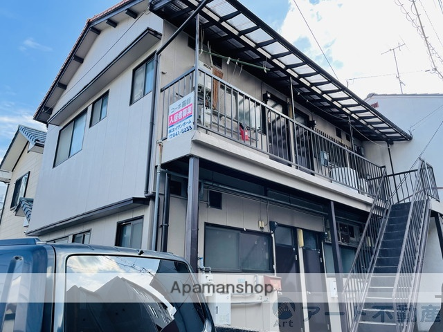 愛媛県松山市、古町駅徒歩2分の築33年 2階建の賃貸アパート