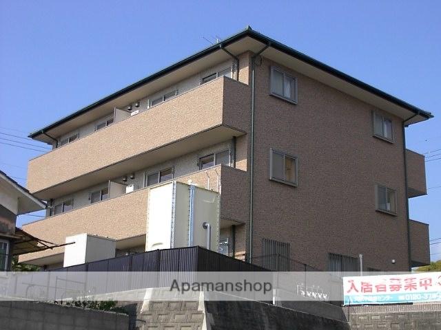 愛媛県松山市、松山駅徒歩17分の築9年 3階建の賃貸アパート