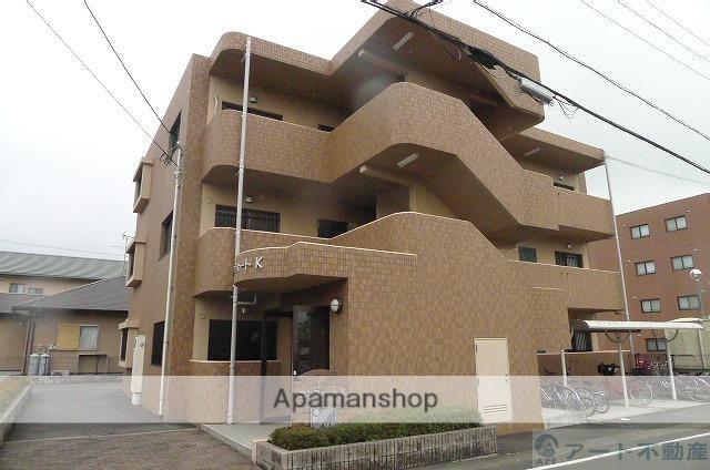 愛媛県東温市、牛渕駅徒歩10分の築11年 3階建の賃貸アパート