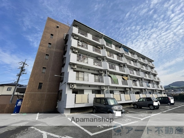 愛媛県伊予郡砥部町の築30年 5階建の賃貸マンション