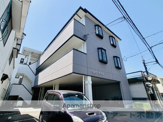 愛媛県東温市、愛大医学部南口駅徒歩14分の築17年 3階建の賃貸アパート