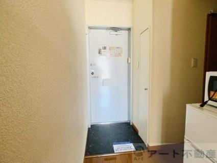 レオパレスMOMO[1K/23.18m2]の玄関