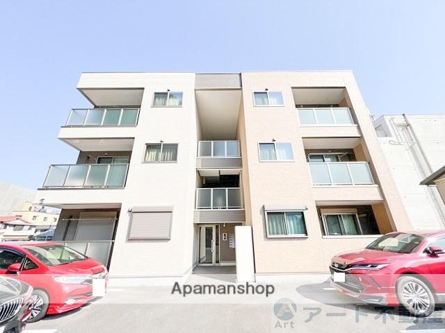 愛媛県松山市、赤十字病院前駅徒歩6分の築1年 3階建の賃貸アパート