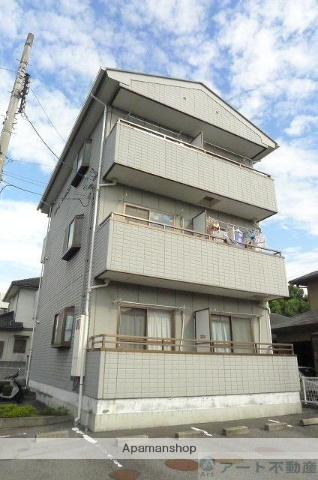 愛媛県東温市、梅本駅徒歩10分の築22年 3階建の賃貸アパート