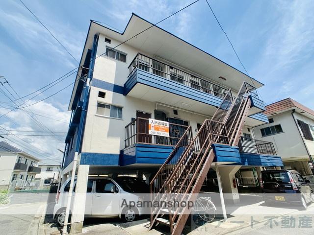 愛媛県松山市、勝山町駅徒歩18分の築40年 3階建の賃貸アパート