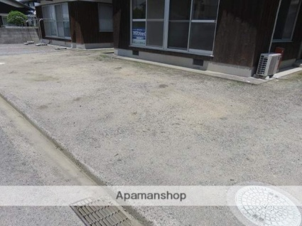 古川甲400-1 貸家[3DK/48.6m2]の駐車場