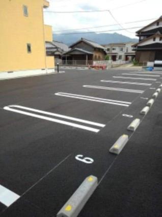 クラール朔日市A[1K/34.81m2]の駐車場