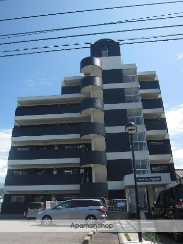 愛媛県新居浜市の築26年 6階建の賃貸マンション
