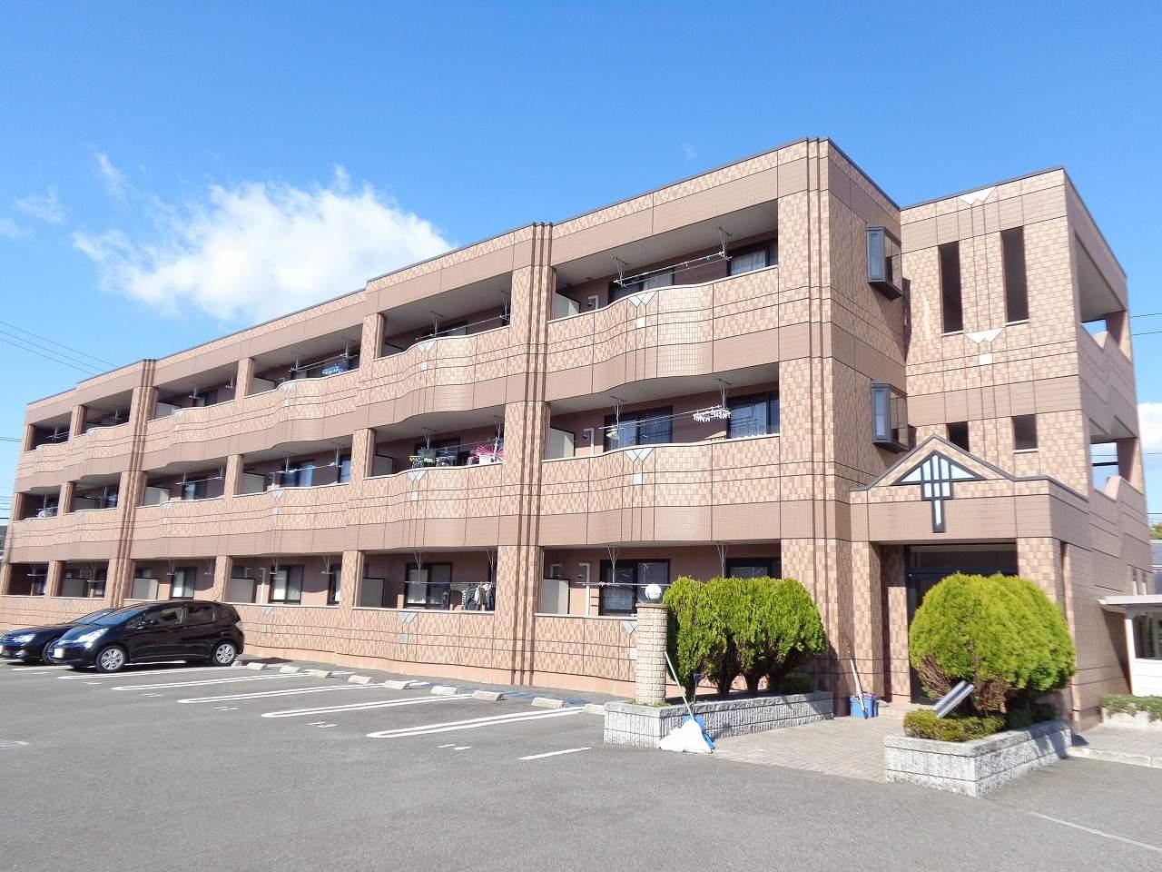 高知県高知市、曙町東町駅徒歩14分の築10年 3階建の賃貸アパート
