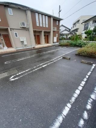 アパートメント ジェルメ[2DK/45.89m2]の駐車場