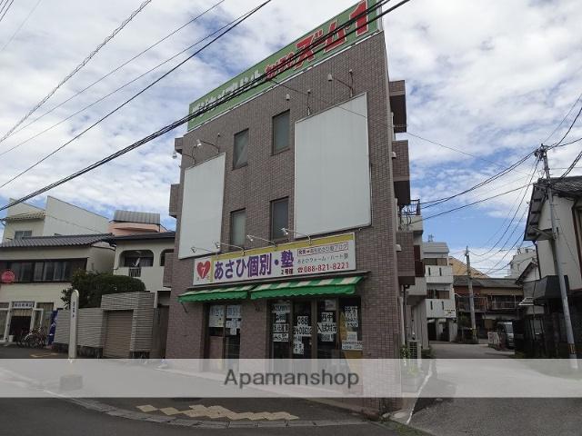 高知県高知市、旭町三丁目駅徒歩12分の築13年 3階建の賃貸マンション