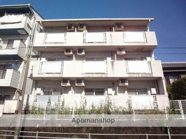 高知県高知市、旭駅前通駅徒歩4分の築26年 3階建の賃貸アパート
