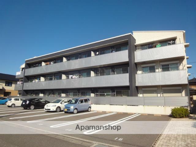 高知県高知市、薊野駅徒歩17分の築8年 3階建の賃貸アパート