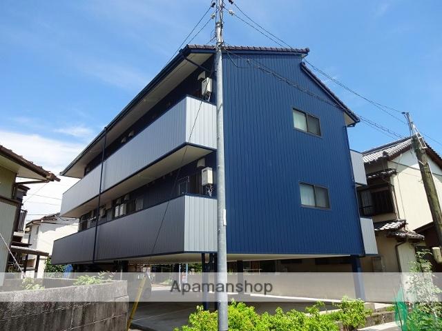 高知県高知市の築21年 3階建の賃貸アパート