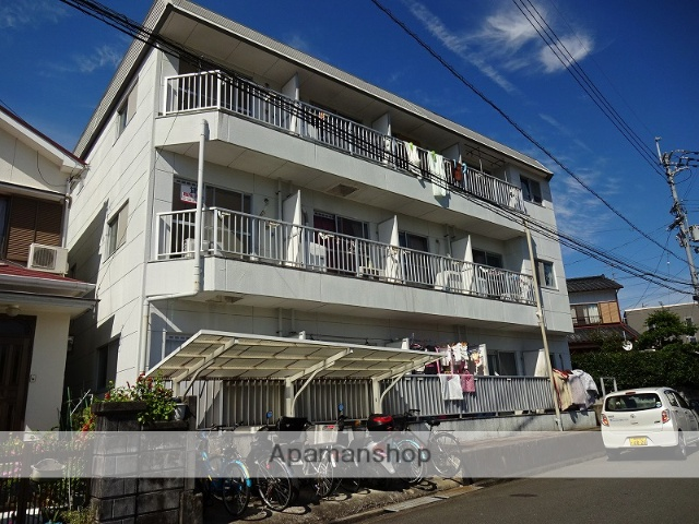 高知県高知市、上町二丁目駅徒歩18分の築28年 3階建の賃貸アパート