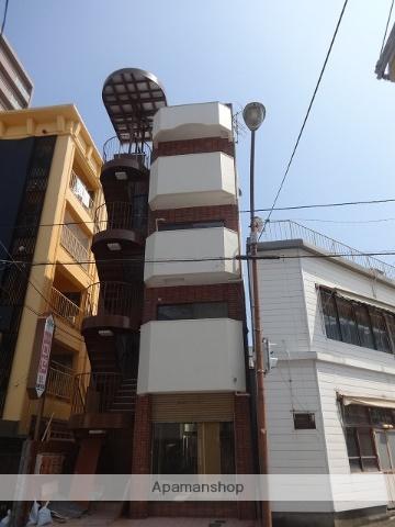高知県高知市、県庁前駅徒歩4分の築30年 4階建の賃貸アパート