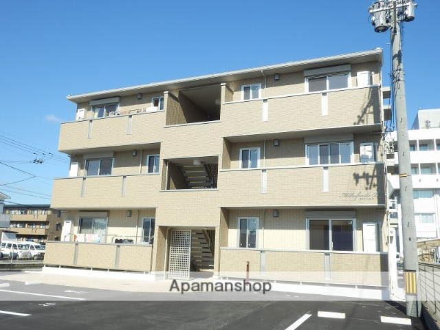 高知県南国市、後免西町駅徒歩4分の新築 3階建の賃貸アパート