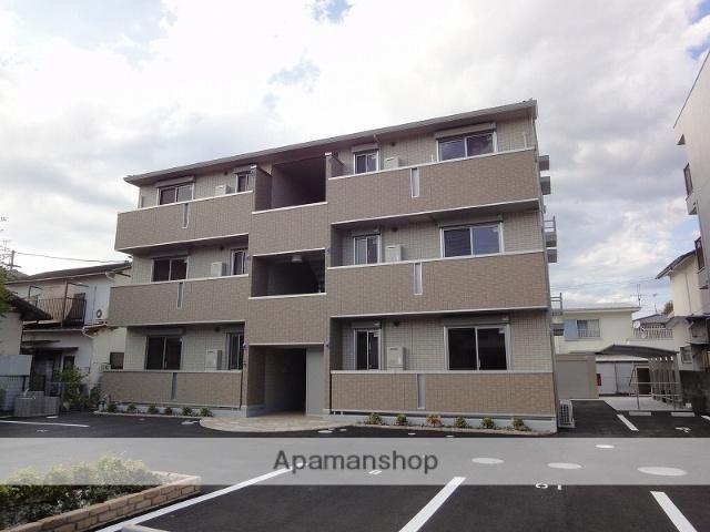 高知県高知市、鴨部駅徒歩13分の築4年 3階建の賃貸アパート