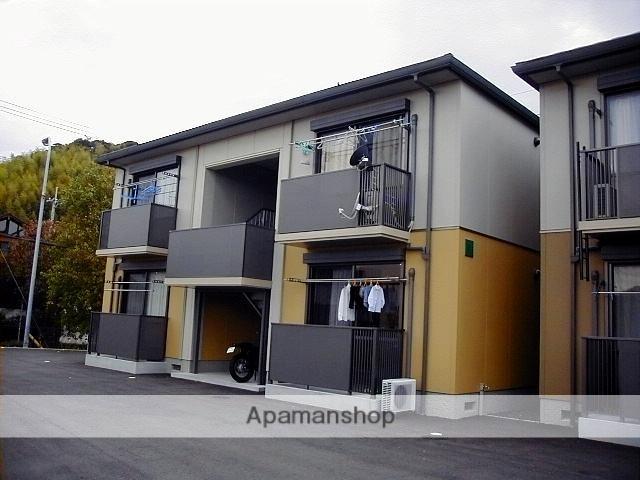 高知県南国市の築13年 2階建の賃貸アパート