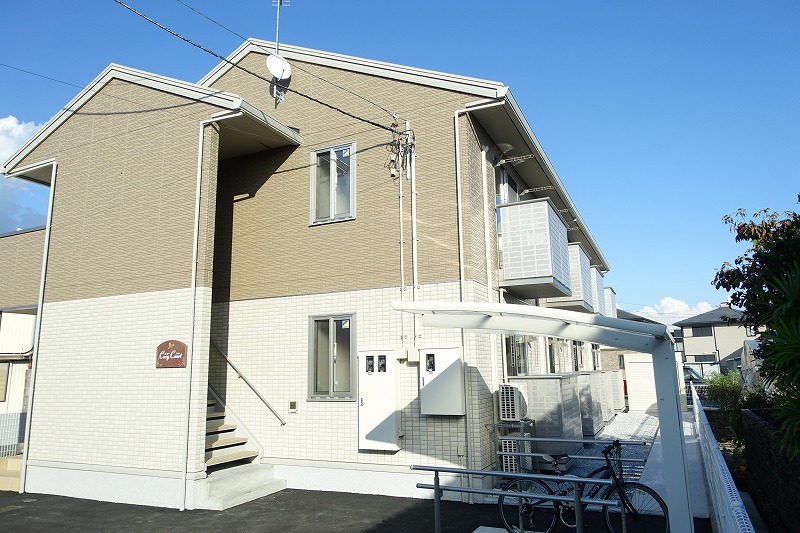 高知県南国市、後免町駅徒歩2分の築2年 2階建の賃貸アパート