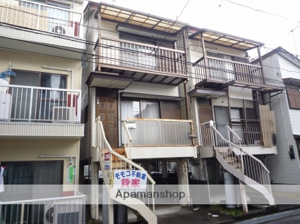 高知県高知市、領石通駅徒歩10分の築32年 3階建の賃貸一戸建て
