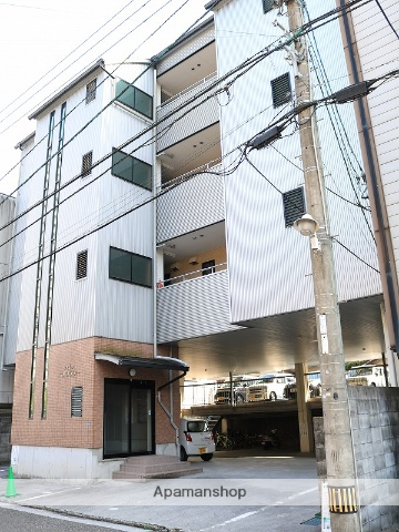 高知県高知市、菜園場町駅徒歩6分の築15年 4階建の賃貸マンション