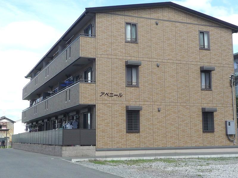 高知県南国市、後免西町駅徒歩4分の築10年 3階建の賃貸アパート