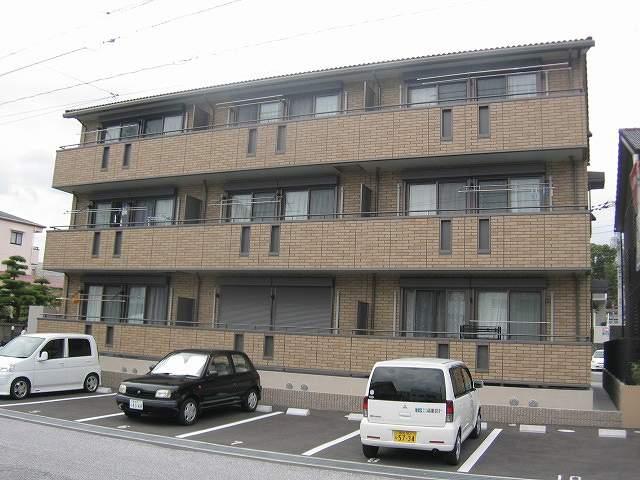 高知県高知市の築10年 3階建の賃貸アパート