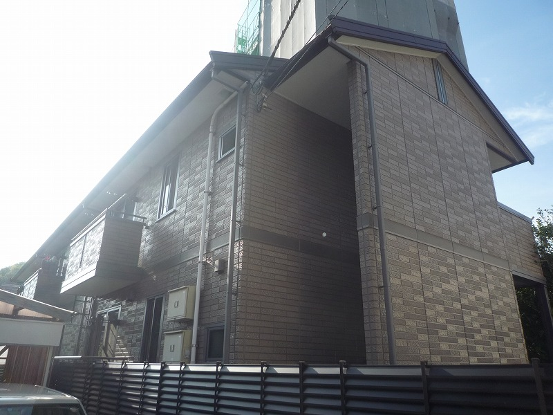 高知県高知市、グランド通駅徒歩6分の築13年 2階建の賃貸アパート