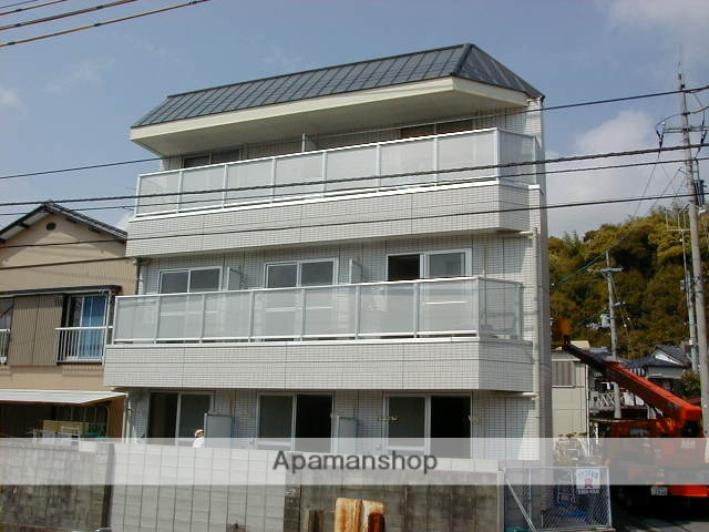 高知県高知市、北浦駅徒歩11分の築15年 3階建の賃貸アパート