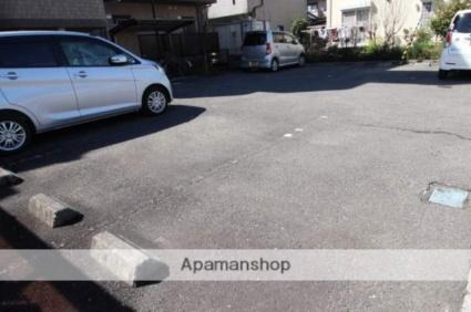 S・TAGE(エステージ)[1K/30m2]の駐車場