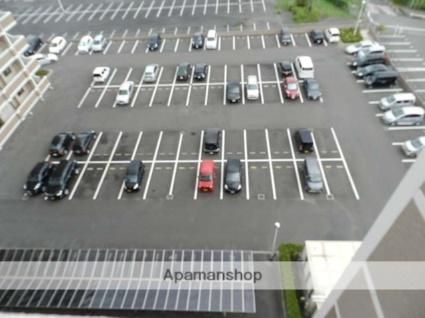ニューシティアパートメンツ南小倉Ⅱ[1DK/30.58m2]の駐車場