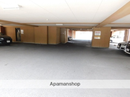 マキシム足立[3LDK/72.32m2]の駐車場