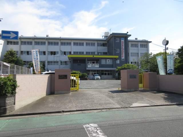 高田動物病院 300m