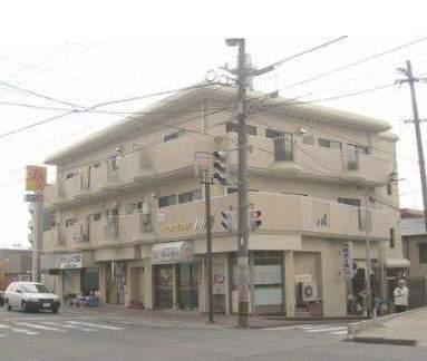 福岡県太宰府市、都府楼南駅徒歩15分の築34年 3階建の賃貸マンション