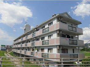 福岡県太宰府市、大野城駅徒歩17分の築26年 4階建の賃貸マンション