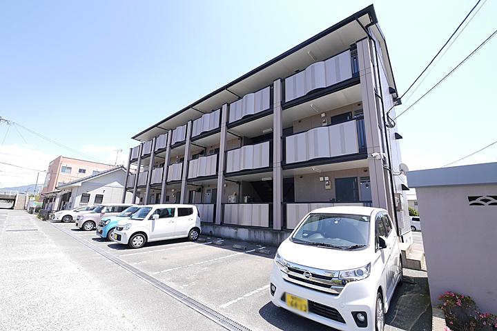 福岡県古賀市、古賀駅徒歩17分の築15年 3階建の賃貸アパート