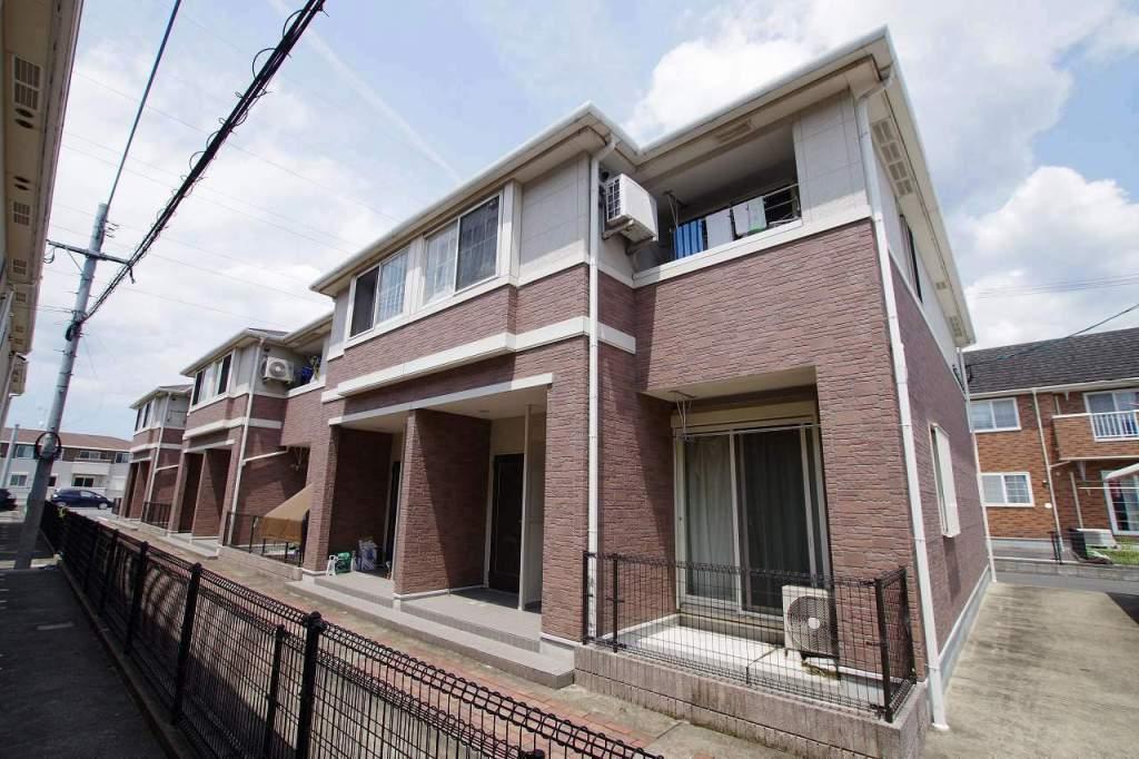 福岡県直方市、新入駅徒歩8分の築9年 2階建の賃貸アパート