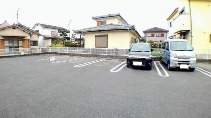 プラン・ド・ペルル[2LDK/58.53m2]の駐車場1